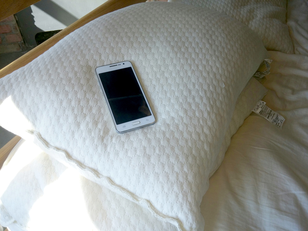 Sleeping With Your Smart Phone May Not Be So Smart